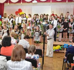 www.kadr32.ru Сергей Горбачук фото в школе последний звонок (12)