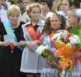 www.kadr32.ru Сергей Горбачук фото в школе последний звонок (21)