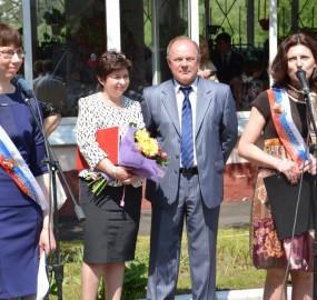 www.kadr32.ru Сергей Горбачук фото в школе последний звонок (3)
