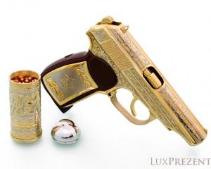 дорогие-подарки-ножи-пепельницы-зажигалки-пистолеты-автоматы-оружие-вещи-105