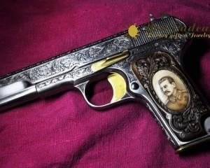 дорогие-подарки-ножи-пепельницы-зажигалки-пистолеты-автоматы-оружие-вещи-113