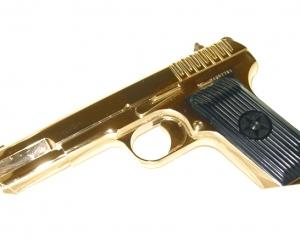 дорогие-подарки-ножи-пепельницы-зажигалки-пистолеты-автоматы-оружие-вещи-136