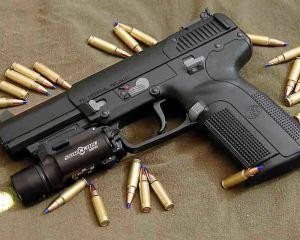 дорогие-подарки-ножи-пепельницы-зажигалки-пистолеты-автоматы-оружие-вещи-147