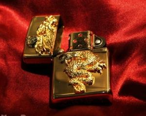 дорогие-подарки-ножи-пепельницы-зажигалки-пистолеты-автоматы-оружие-вещи-21