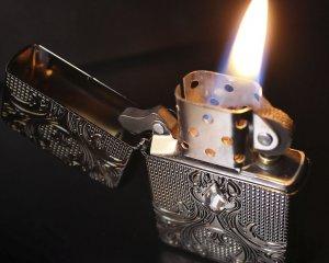 дорогие-подарки-ножи-пепельницы-зажигалки-пистолеты-автоматы-оружие-вещи-3