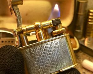 дорогие-подарки-ножи-пепельницы-зажигалки-пистолеты-автоматы-оружие-вещи-43
