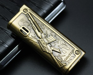 дорогие-подарки-ножи-пепельницы-зажигалки-пистолеты-автоматы-оружие-вещи-48